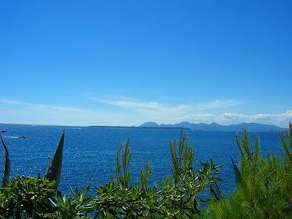 目の前はレランス諸島