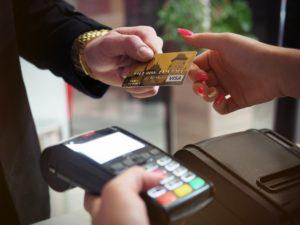 チップの渡し方 クレジットカード払い編